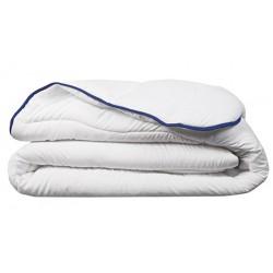 Couette chaude Microfibre 100% polyester blanc 400 g/m2 260 X 240 cm
