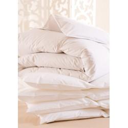 Lot de 5 couettes 160x220 cm 400g blanc 100% coton et fibres