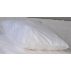 Carton de 200 taies oreillers polypoprylène 30g blanche 50x70cm