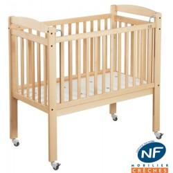Lit crèche NF CSR à barreaux 120x60 cm avec matelas ép. 10 cm